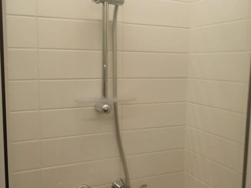 Prietaisai ir dušo kabinos